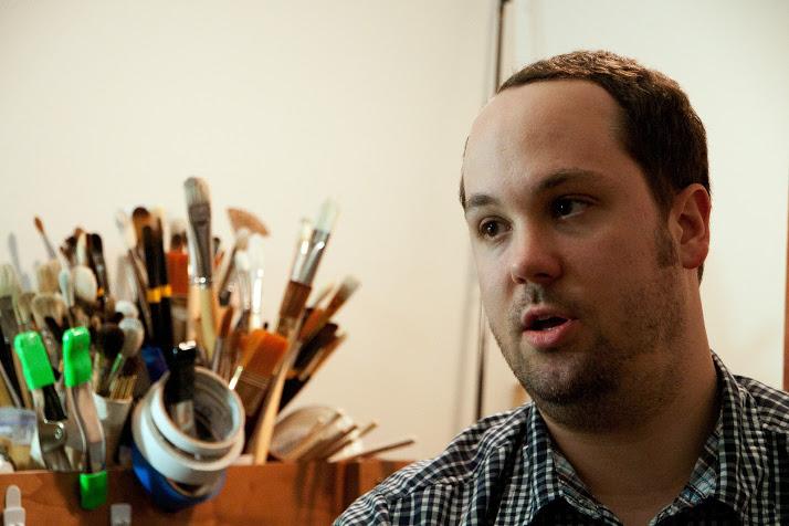 (Jason John in his studio.)