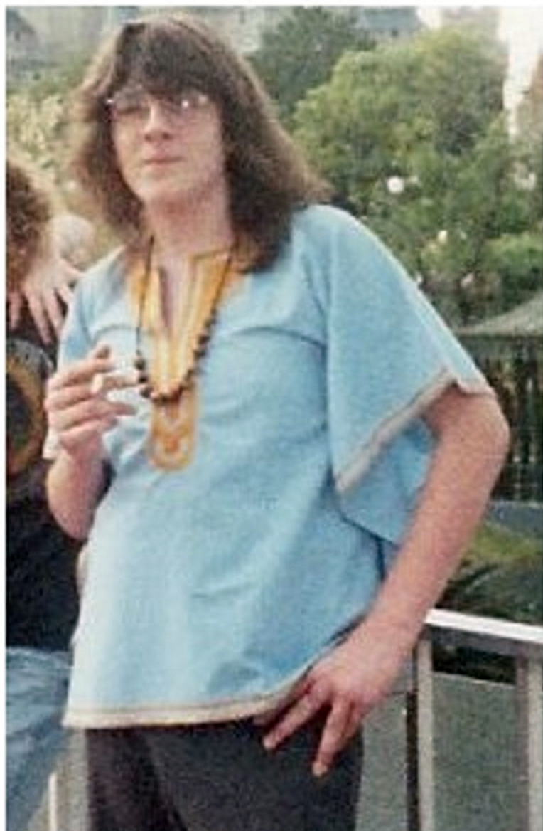 1986; at age 14 I was so fucked up I actually wore a dashiki.